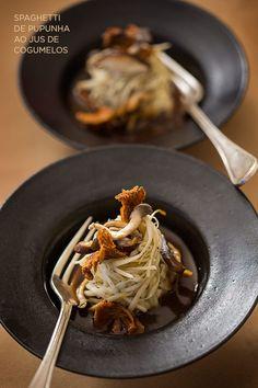Buffet orgânico para casamento - spaghetti de pupunha com cogumelos - ( Buffet: Zest Cozinha Criativa   Foto: Rogério Voltan )
