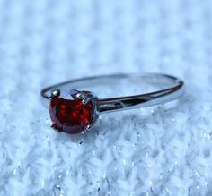 Genuino granate 1ct anillo de titanio o de oro por TheAladdinsCave