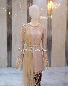 Kebaya Modern Hijab, Model Kebaya Modern, Kebaya Muslim, Kebaya Dress, Dress Pesta, Pakistani Dress Design, Pakistani Dresses, Hijab Style Dress, Engagement Dresses