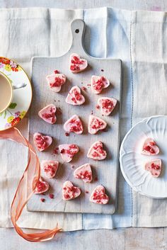 These gorgeous white chocolate hearts are filled with freeze-dried strawberries, perfect for a Valentine's Day sweet treat or a Mother's Day gift. They also happen to be gluten-free, ideal for those with dietary requirements. | Tesco