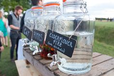 Pimms on tap! Ideas for your wedding guests Wedding Decorations, Table Decorations, Weddingideas, Backdrops, Alcohol, Wedding Inspiration, Weddings, Awesome, Photography