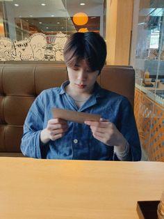 Dinner with Jaehyun Hijab Cartoon, Jung Yoon, Jung Jaehyun, Jaehyun Nct, Boyfriend Goals, Real Couples, K Idol, Ulzzang Boy, Boyfriend Material
