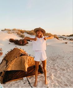 Granola Girl, Summer Vibes, Summer Days, Beautiful Places To Visit, Cute Photos, Go Outside, Van Life, The Great Outdoors, Photoshoot