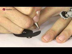 Como hacer unos pendientes con plástico encogible ( plástico mágco)