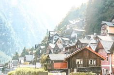 #沒有鼠玩的日子 25 到了一半 走到了絕美小鎮 人生真的可以來一次 但真的觀光客好多 #europe #Hallstatt #austria #2016 #canon650d #photography #house #tree #travel #discover #mountains #upthehill #hill #cross #photographysouls #photographyislifee #daily #写真好き #写真 #カメラ #ハルシュタット #オーストリー #사진 #오스트리아 #奧地利 #哈修塔特 http://tipsrazzi.com/ipost/1510771545310547128/?code=BT3VrdPAMy4