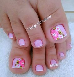 Pink and floral French pedicure. Pretty Toe Nails, Cute Toe Nails, Fancy Nails, Toe Nail Art, Trendy Nails, Diy Nails, Gel Nail, Nail Polish, French Pedicure