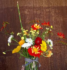 #takehomeahandfulofhappiness #weloveflowers Www.sellwoodflowerco.com