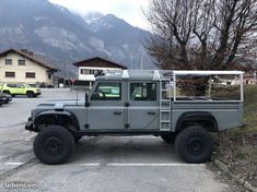 Defender Land Rover Defender Pickup, Defender Camper, Defender 110, Landrover Defender, Offroader, Jeep Models, Expedition Vehicle, Pick Up, Boat Building