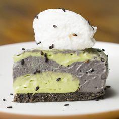 【オーブンいらず】抹茶と黒ごまのひんやりチーズケーキ