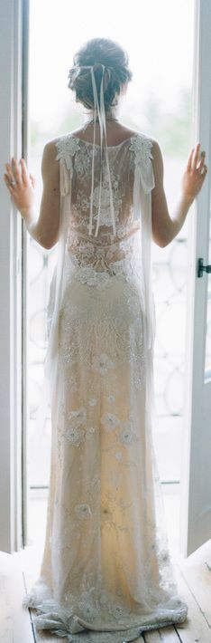 This dress is so romantic!