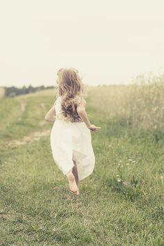 niña corriendo