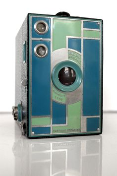 Beau Brownie Camera 2A Green. I want to buy this camera, if anybody comes across one!