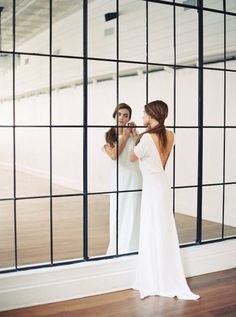 Organic Simplicity Proves That Less Is Often More - Once Wed Crepe Wedding Dress, Wedding Gowns, Dream Wedding, Wedding Day, Simple Gowns, Once Wed, Bridal Portraits, Wedding Styles, White Dress