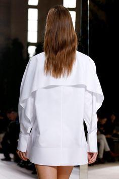 Balenciaga Spring 2014 Ready-to-Wear Collection - Vogue Balenciaga Shirt, Balenciaga Spring, Runway Fashion, Fashion Show, Womens Fashion, Fashion Trends, Vogue Fashion, Paris Fashion, Fall Fashion