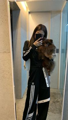 Find images and videos about kpop, rose and blackpink on We Heart It - the app to get lost in what you love. Blackpink Fashion, Korean Fashion, Fashion Outfits, Korean Airport Fashion, Blackpink Jennie, Forever Young, Bora Lim, Mode Ulzzang, Black Pink