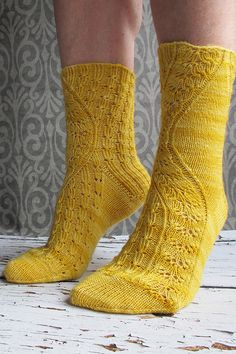 Ravelry: Conina Socks by Rachel Coopey
