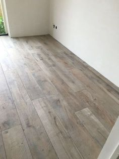 Keeping Hard Wood Flooring Looking Its Best Timber Flooring, Parquet Flooring, Kitchen Flooring, Hardwood Floors, House Every Weekend, Interior Decorating, Interior Design, Simple House, Home And Living