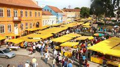 Feira Largo da Ordem: http://www.descubracuritiba.com.br/turismo/detalhes/1582/feira-do-largo-da-ordem/