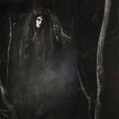 Witchcraft  Md : Katrin Lanfire  Photographer : @aster_shade  #katrin_lanfire #model #alternativemodel #altmodel #goth #gothic #dark #art #witch #witchcraft #occult #ritual #pagan #witches #dryad