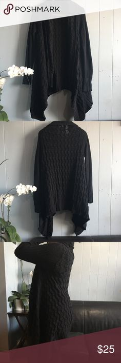 Lucky Brand Asymmetrical Cardigan Gorgeous open Cardigan. Very comfortable, can be worn with jeans or leggings. In good conditions. Lucky Brand Sweaters Cardigans