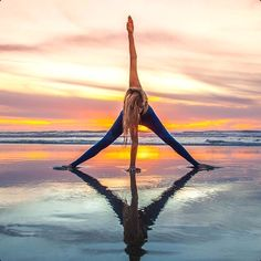 YOGA CAN BE A WAY OF LIFE Life is a chain of moments of enjoyment;Yoga is not a mere exercise, so you can practice yoga at any time.Yoga can b Kundalini Yoga, Yoga Meditation, Chakra Yoga, Walking Meditation, Namaste Yoga, Yin Yoga, Yoga Images, Yoga Pictures, Yoga Pics