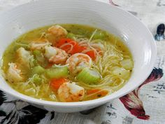 Ces temps ci en cuisine: Soupe tonkinoise aux crevettes A Food, Good Food, Food And Drink, Top Recipes, Healthy Recipes, Chinese Food, Food Dishes, Meal Prep, Nutrition