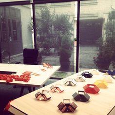 At the FabShop in Paris. Interview video au FabShop. Projet Perifabrique artisan/designer. D DAYS. Fondation Bettencourt Schueller. Impression 3D. Fondeur d art #ddays2015 @ddays_paris #fondationbettencourtschueller #promomedias #design #designindustriel #designer #artisans #artisanat #savoirfaire #promomedias