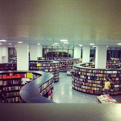 Livraria da Vila by Isay Weinfeld  JK mall - Sao Paulo - Brazil