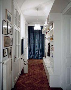 Arredamento corridoio stretto e lungo - Mobile a muro