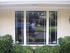 Alside Casement Windows split with Prairie Lite Grids. Picture Windows with operating end flankers. Pella Windows, Porch Windows, Casement Windows, House Windows, Bay Window Exterior, French Country Exterior, Window Grids, Craftsman Lighting, Craftsman Exterior