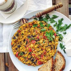 Gombás-paprikás omlett Fried Rice, Fries, Ethnic Recipes, Food, Essen, Meals, Nasi Goreng, Yemek, Stir Fry Rice