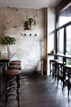Cafe Design research - Bar style seating Cafe Bar, Cafe Shop, Cafe Interior, Restaurant Interior Design, Interior And Exterior, Style Loft, Cafe Style, Design Café, Deco Design