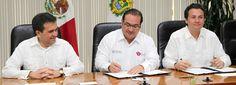 El gobernador de Veracruz, Javier Duarte de Ochoa asistió al Foro Pemex para el Desarrollo de Proveedores y Contratistas del Estado de Veracruz en compañía del mandatario estatal, el director general de Petróleos Mexicanos, Emilio Lozoya Austin