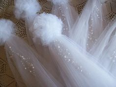 White Tulle and Pearl Pew Bows! These are my original pom pew bows, with pearl…