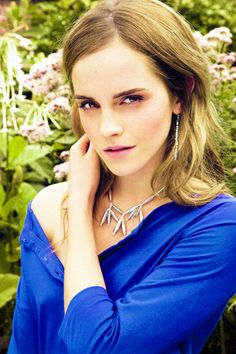 It's fantastic that Emma Watson is at ease wearing so little makeup.