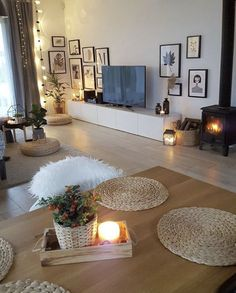 30 affordable apartment living room design ideas on a budget 00028 Interior Design Living Room Warm, Living Room Designs, Living Room Decor, Decor Room, Sala Grande, Beautiful Living Rooms, Apartment Living, Decorating Your Home, Decoration