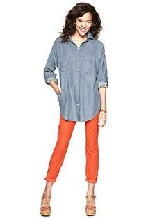 A great transition piece - can style for summer with cropped jeans, and ca style for fall with skinny pants and ankle boots.    1969 chambray tunic | Gap