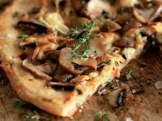 Vegetable pizza with mushrooms - recipe diet pizza
