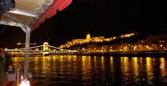 Conheça os principais pontos turísticos e da vida noturna da famosíssima capital…