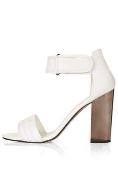 RANGE Padded Strap Sandals
