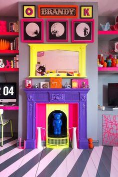 In London, a Color-Clashing Punk's Bright & Vivacious Flat – Design*Sponge - Home Design Funky Home Decor, Eclectic Decor, Decor Interior Design, Interior Decorating, Colorful Interior Design, Rental Decorating, Decorating Games, Interior Designing, Contemporary Interior
