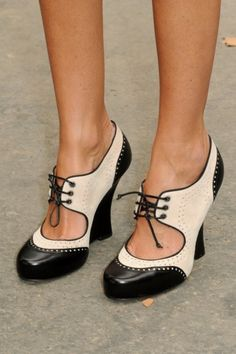 Heeled Oxford Shoes!