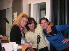 Kristian Anttila besökte oss i studion och snackade lite  och sen spelade han sinsenaste singel live i studion Vill man höra mer Kristian Anttila ...