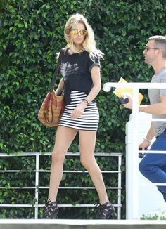 Doutzen Kroes Photos: Doutzen Kroes Hangs Out with a Friend