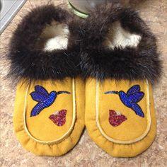 Hummingbird Moccasins with Fur Trim by Alaska Beadwork Rainy Day Crafts, Leather Moccasins, Fur Trim, Rainy Days, Hummingbird, Beading Patterns, Beadwork, Laundry Room, Alaska