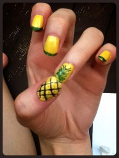 """I'm so """"Psych""""ed about my pineapple nails!"""