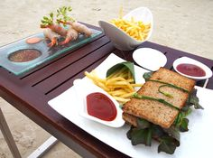 BLTs and French fries under the blue sky at Four Seasons Resort Koh Samui. #FSTaste Photo: @cocosteaparty