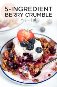 This is the BEST Mixed Berry Crumble! This easy, homemade dessert uses fresh or frozen berries, is vegan, gluten-free, and SO easy to make. You'd never guess the crumble topping is made with granola! 5-ingredient recipe. Easy Gluten Free Desserts, Homemade Desserts, Mixed Berry Crumble Recipe, Sugar Free Recipes, Vegan Recipes, Cereal Recipes, Dessert Recipes, Clean Eating Recipes, Clean Foods