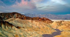 Bing Image Archive: Formations géologiques de Zabriskie Point, parc national de la Vallée de la Mort, Californie, États-Unis (© Dennis Frates/Alamy)(Bing France)