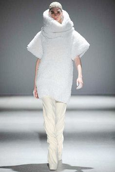 Mod dress for a cold future. Gareth Pugh | Fall 2014 Ready-to-Wear Collection | Style.com
